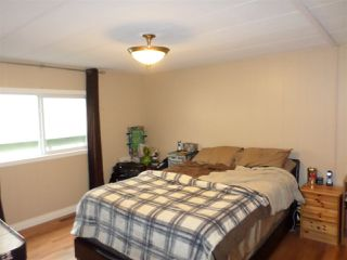 Photo 12: 2077 OAKRIDGE Crescent in Abbotsford: Poplar Manufactured Home for sale : MLS®# R2222802