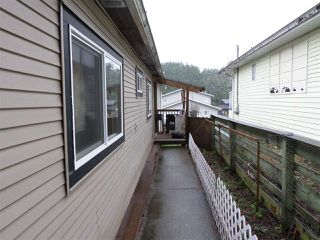 Photo 18: 2077 OAKRIDGE Crescent in Abbotsford: Poplar Manufactured Home for sale : MLS®# R2222802