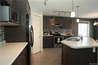 Photo 4: 90 Buckley Trow Bay in Winnipeg: River Park South Residential for sale (2F)  : MLS®# 1800955