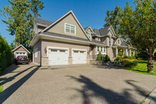 Photo 2: 21941 52 AVENUE in Langley: Murrayville House for sale : MLS®# R2210675