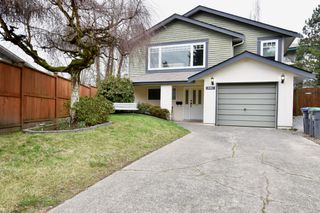 Photo 3: 6083 195A Street in Surrey: Cloverdale BC House for sale (Cloverdale)  : MLS®# R2239949