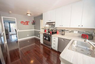 Photo 2: SCRIPPS RANCH Townhome for sale : 2 bedrooms : 9934 Caminito Chirimolla in San Diego