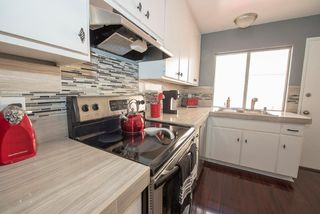 Photo 3: SCRIPPS RANCH Townhome for sale : 2 bedrooms : 9934 Caminito Chirimolla in San Diego
