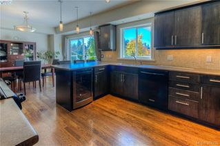 Photo 2: 59 Kingham Place in VICTORIA: VR View Royal Residential for sale (View Royal)  : MLS®# 384835