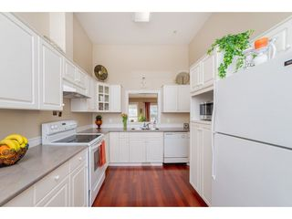 """Photo 5: 7 20222 96 Avenue in Langley: Walnut Grove Townhouse for sale in """"Windsor Gardens"""" : MLS®# R2248517"""