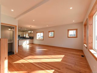 Photo 3: 519 12TH STREET in COURTENAY: CV Courtenay City House for sale (Comox Valley)  : MLS®# 785504