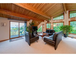 "Photo 10: 3116 MCBRIDE Avenue in Surrey: Crescent Bch Ocean Pk. House for sale in ""Crescent Beach"" (South Surrey White Rock)  : MLS®# R2264343"