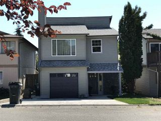 Photo 1: 122 SPRINGFIELD Drive in Langley: Aldergrove Langley House for sale : MLS®# R2296872