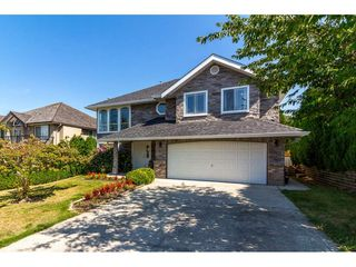 Photo 1: 8395 MILLER Crescent in Mission: Mission BC House for sale : MLS®# R2302171