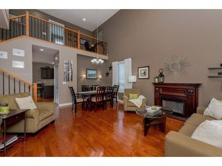 "Photo 3: 17938 70 Avenue in Surrey: Cloverdale BC House for sale in ""PROVINCTON"" (Cloverdale)  : MLS®# R2308113"