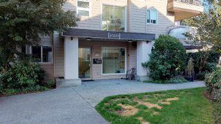 "Photo 1: B102 40120 WILLOW Crescent in Squamish: Garibaldi Estates Condo for sale in ""Diamondhead Place"" : MLS®# R2315280"