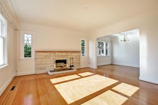 Photo 4: 194 W QUEENS Road in North Vancouver: Upper Lonsdale House for sale : MLS®# R2318031