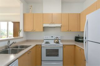 "Photo 8: 407 580 TWELFTH Street in New Westminster: Uptown NW Condo for sale in ""THE REGENCY"" : MLS®# R2322391"