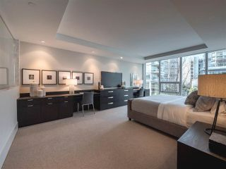 "Photo 11: 1510 HOMER Mews in Vancouver: Yaletown Townhouse for sale in ""THE ERICKSON"" (Vancouver West)  : MLS®# R2334028"