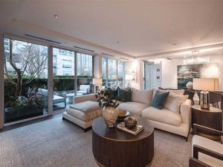 "Photo 4: 1510 HOMER Mews in Vancouver: Yaletown Townhouse for sale in ""THE ERICKSON"" (Vancouver West)  : MLS®# R2334028"