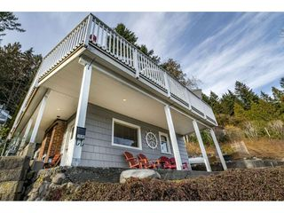 Photo 2: 2689 PANORAMA Drive in North Vancouver: Deep Cove House for sale : MLS®# R2343279