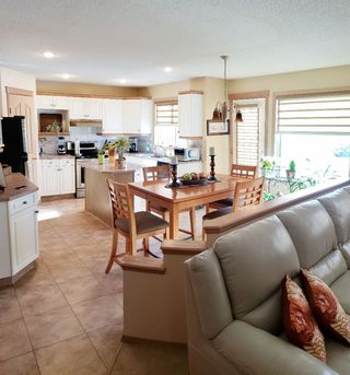 Photo 3: 11807 11 Avenue in Edmonton: Zone 16 House for sale : MLS®# E4145092