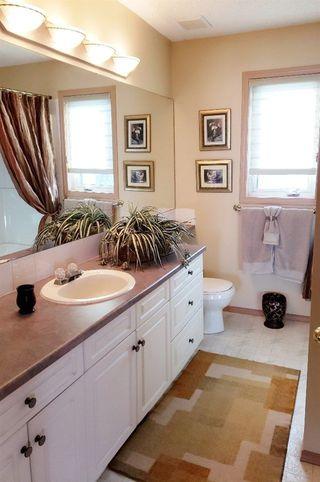 Photo 12: 11807 11 Avenue in Edmonton: Zone 16 House for sale : MLS®# E4145092