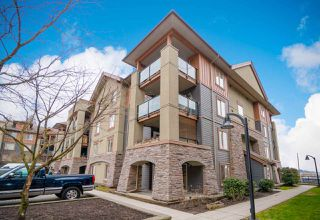 Photo 2: 3115 240 SHERBROOKE Street in New Westminster: Sapperton Condo for sale : MLS®# R2355886