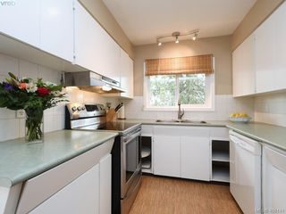 Photo 9: 265 Balfour Place in VICTORIA: Vi Burnside Single Family Detached for sale (Victoria)  : MLS®# 408141