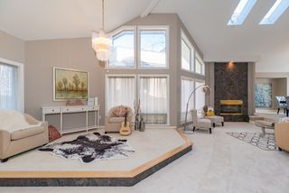 Photo 3: 218 SICAMOUS Place in Coquitlam: Coquitlam East House for sale : MLS®# R2376345