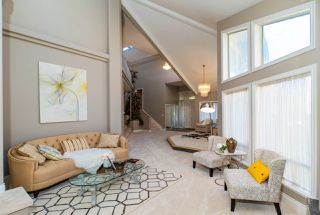 Photo 5: 218 SICAMOUS Place in Coquitlam: Coquitlam East House for sale : MLS®# R2376345