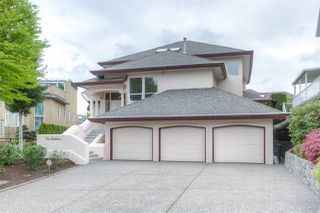 Photo 1: 218 SICAMOUS Place in Coquitlam: Coquitlam East House for sale : MLS®# R2376345
