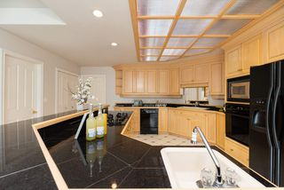 Photo 7: 218 SICAMOUS Place in Coquitlam: Coquitlam East House for sale : MLS®# R2376345