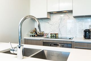 Photo 5: 3308 6461 TELFORD Avenue in Burnaby: Metrotown Condo for sale (Burnaby South)  : MLS®# R2376944