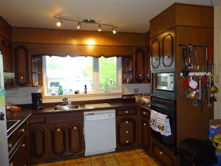 Photo 3: 9735 164  Street in Edmonton: Zone 22 House for sale : MLS®# E4161201