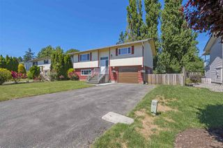 Photo 1: 46689 BALSAM Avenue in Chilliwack: Chilliwack E Young-Yale House for sale : MLS®# R2381048