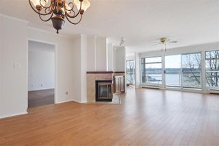 "Photo 3: 308 12 K DE K Court in New Westminster: Quay Condo for sale in ""Dockside at the New Westminster Quay"" : MLS®# R2382539"