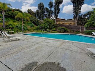 Photo 13: SOUTH SD Manufactured Home for sale : 3 bedrooms : 1011 BEYER WAY #99 in SAN DIEGO