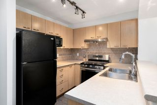 "Photo 5: 308 2968 SILVER SPRINGS Boulevard in Coquitlam: Westwood Plateau Condo for sale in ""TAMARISK"" : MLS®# R2408229"