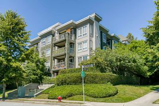 "Photo 1: 409 8495 JELLICOE Street in Vancouver: South Marine Condo for sale in ""RIVERGATE"" (Vancouver East)  : MLS®# R2436513"