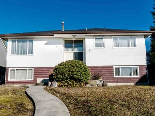 Main Photo: 536 E 5TH Street in North Vancouver: Queensbury House for sale : MLS®# R2438153