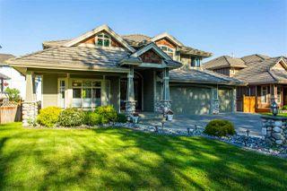 Photo 1: 11480 209 Street in Maple Ridge: Southwest Maple Ridge House for sale : MLS®# R2454885
