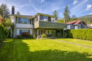 Photo 1: 2035 BANBURY Road in North Vancouver: Deep Cove House for sale : MLS®# R2501209
