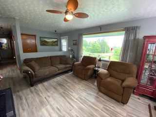 Photo 3: 3582 Eskasoni Road in Islandview: 207-C. B. County Residential for sale (Cape Breton)  : MLS®# 202100443