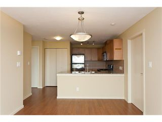 "Photo 4: 701 415 E COLUMBIA Street in New Westminster: Sapperton Condo for sale in ""SAN MARINO"" : MLS®# V905282"