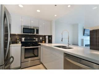 Photo 2: 502 1008 BEACH Avenue in Vancouver: Yaletown Condo for sale (Vancouver West)  : MLS®# V993458