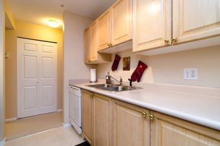 "Photo 8: 104 5577 SMITH Avenue in Burnaby: Central Park BS Condo for sale in ""Cotton Grove in Garden Village"" (Burnaby South)  : MLS®# V1055670"