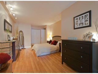 "Photo 12: 304 1381 MARTIN Street: White Rock Condo for sale in ""Chestnut Village"" (South Surrey White Rock)  : MLS®# F1410239"