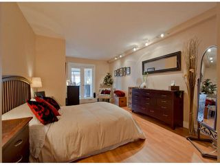 "Photo 10: 304 1381 MARTIN Street: White Rock Condo for sale in ""Chestnut Village"" (South Surrey White Rock)  : MLS®# F1410239"
