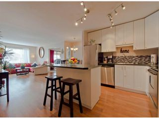 "Photo 5: 304 1381 MARTIN Street: White Rock Condo for sale in ""Chestnut Village"" (South Surrey White Rock)  : MLS®# F1410239"