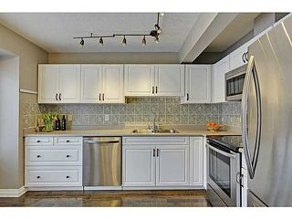 Photo 6: 262 REGAL Park NE in Calgary: Renfrew_Regal Terrace Townhouse for sale : MLS®# C3650275