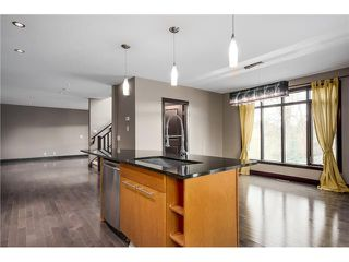 Photo 5: 3 1625 34 Avenue SW in Calgary: Altadore_River Park Townhouse for sale : MLS®# C3651020