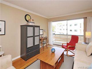Photo 3: 207 1400 Newport Ave in VICTORIA: OB South Oak Bay Condo Apartment for sale (Oak Bay)  : MLS®# 695856