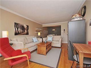Photo 1: 207 1400 Newport Ave in VICTORIA: OB South Oak Bay Condo Apartment for sale (Oak Bay)  : MLS®# 695856