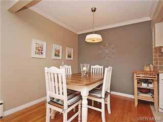 Photo 9: 207 1400 Newport Ave in VICTORIA: OB South Oak Bay Condo Apartment for sale (Oak Bay)  : MLS®# 695856